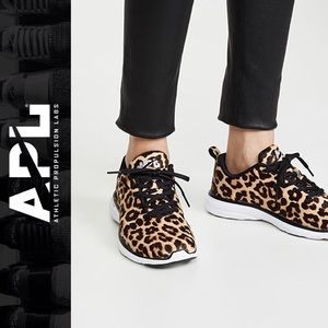 APL WOMENS ICONIC PRO CALF HAIR LEOPARD SNEAKERS